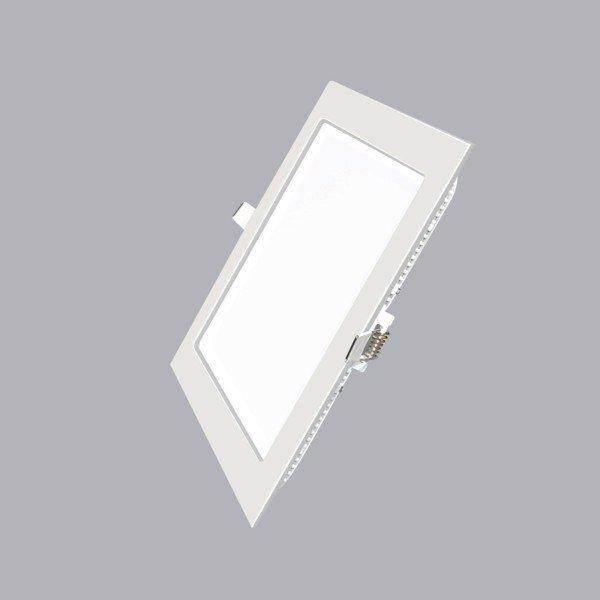 Bộ đèn LED panel âm trần có thiết kế gọn nhẹ