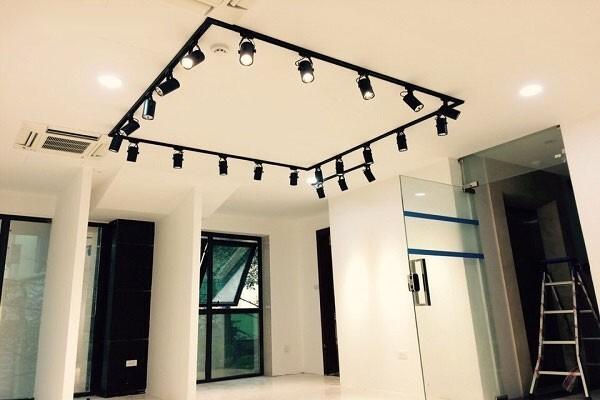 LED chiếu điểm có thiết kế nhỏ gọn, sang trọng